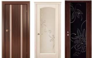 Как правильно запенить межкомнатную дверь