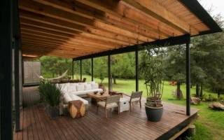 Чем покрасить деревянный пол на открытой веранде