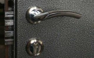 Как покрасить железную дверь в домашних условиях
