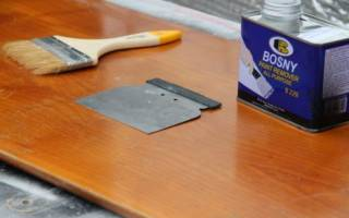 Как удалить старый лак со стула