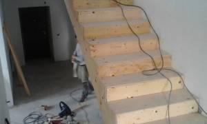 Как прикрепить деревянные ступени к бетонной лестнице