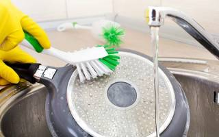 Как почистить старые сковородки в домашних условиях