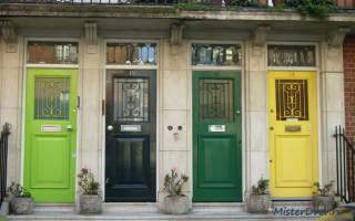 Как удалить старый лак с деревянной двери