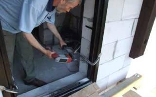 Как вставить металлическую дверь в газобетон